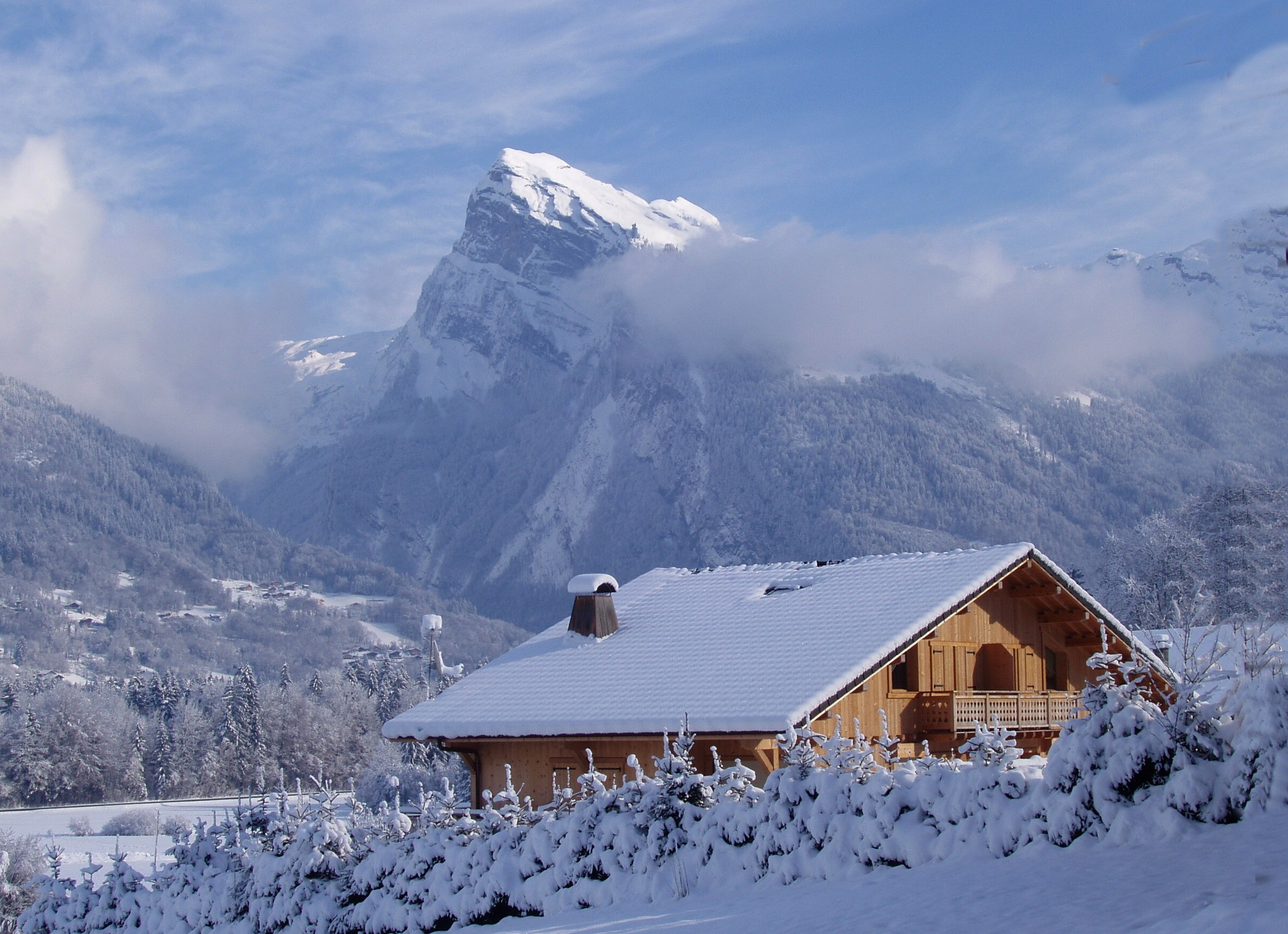 Featured chalets family ski news for Mtn chalet