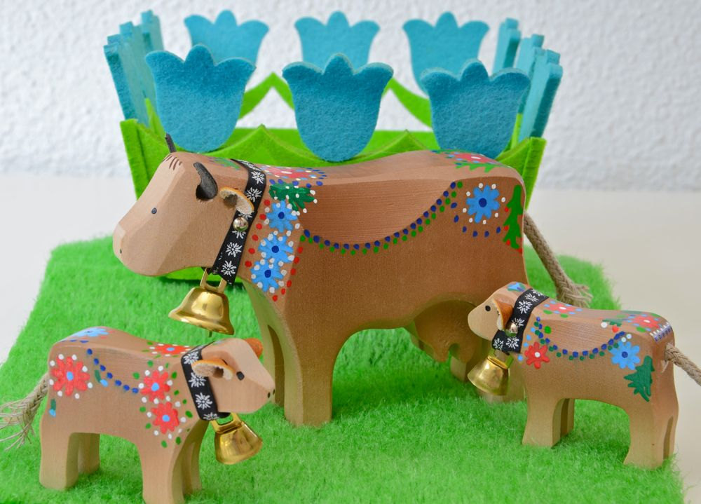 wooden Swiss cows