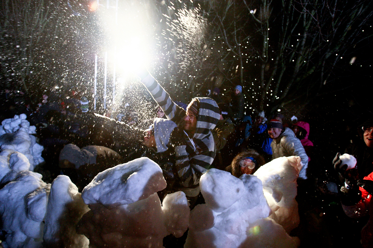 World's largest snowball fight | Family Ski News