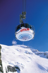 Travel to the Titlis with the Rotair - the world's first revolving aerial cable-car Image: swiss-image.ch/Christian Perret