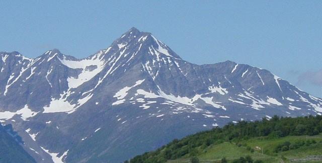 Birthday mountain for Finland