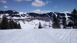 Wide, cruisy runs are a feature of skiing in Les Saisies