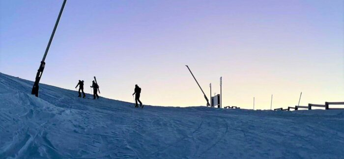 The return of primitive skiing